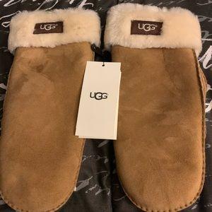 New Ugg sheepskin mittens